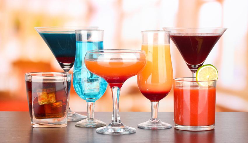 Как форма стакана влияет на количество выпитого